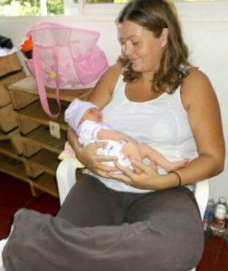 prima uscita di Priscilla a 6 giorni dal parto