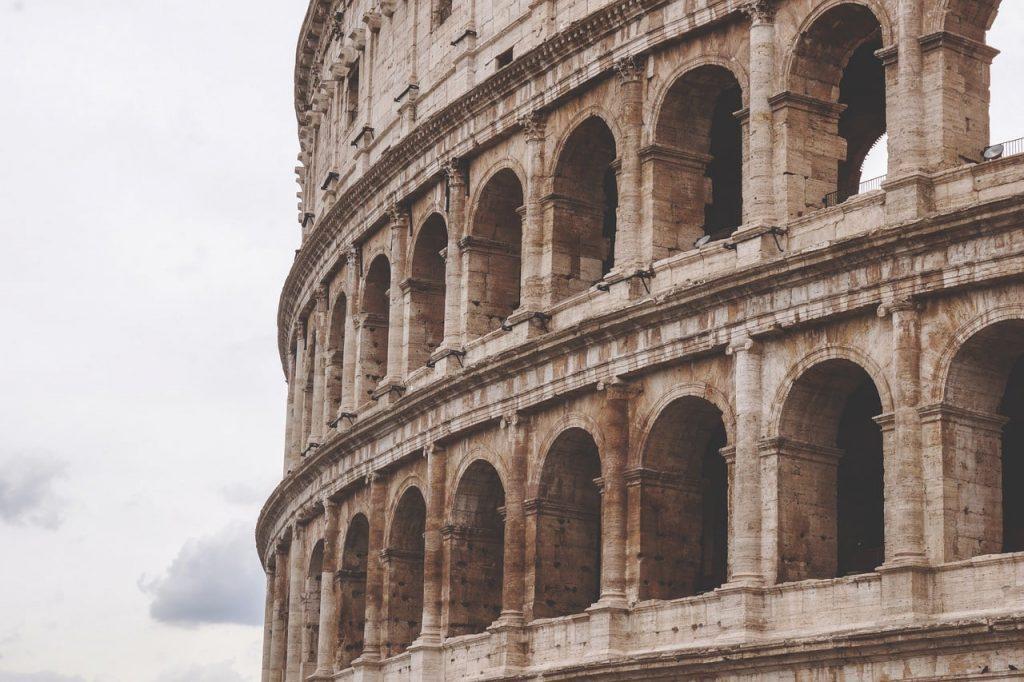 come muoversi a roma il Colosseo